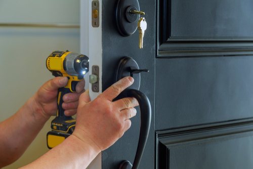 How Long Does It Take For Locksmith To Open A Locked Door?